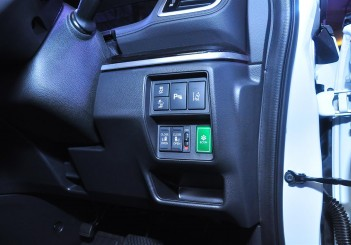 Honda Odyssey with Honda Sensing - 30