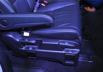 Honda Odyssey with Honda Sensing - 31