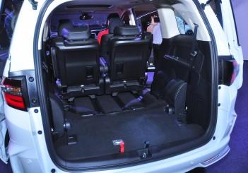 Honda Odyssey with Honda Sensing - 32