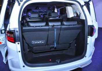 Honda Odyssey with Honda Sensing - 33