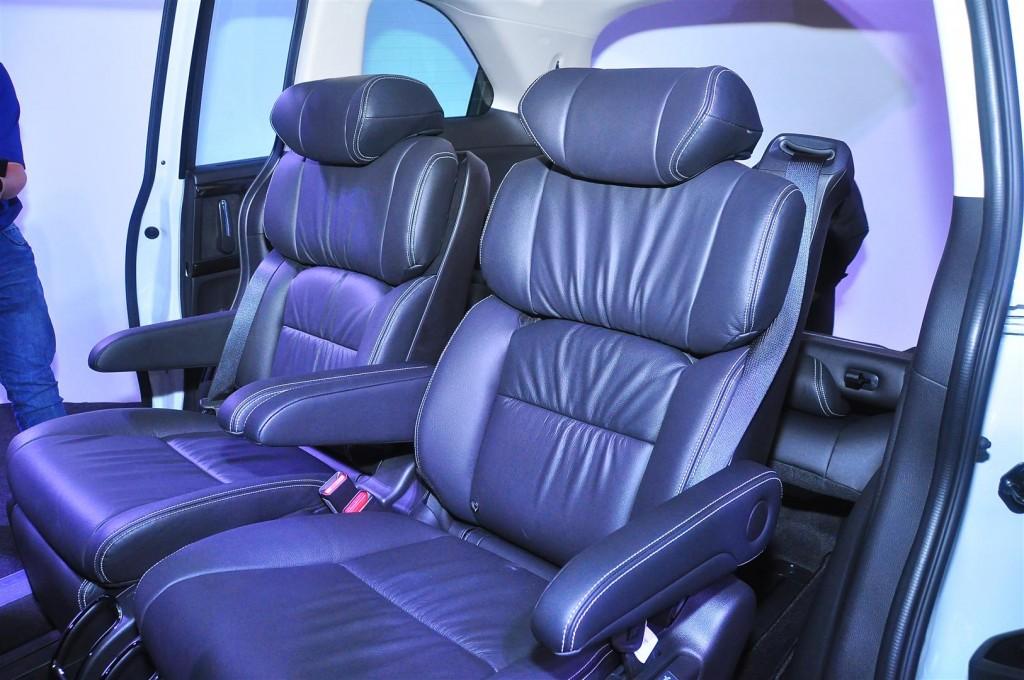 Honda Odyssey with Honda Sensing - 35