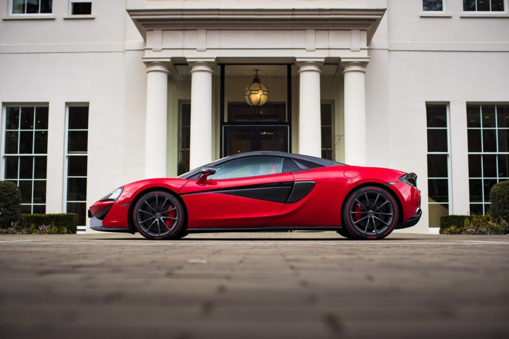 McLaren 570S Spider in Vermillion Red - 01-1
