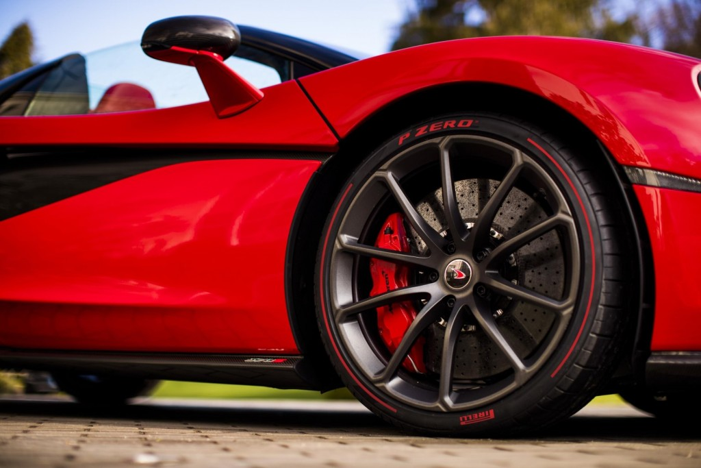 McLaren 570S Spider in Vermillion Red - 03
