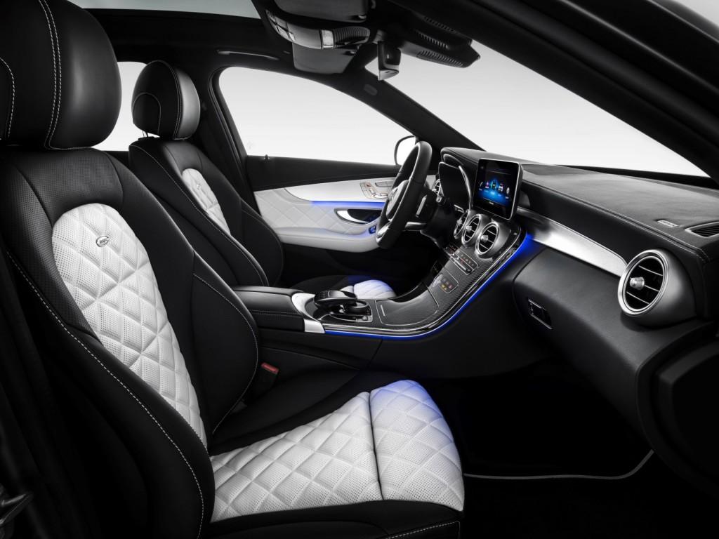 Mercedes-Benz C-Klasse Limousine AMG-Line, Exterieur: designo selenitgrau magno, Interieur: Leder platinweiß pearl/schwarz Mercedes-Benz C-Class Sedan AMG line, exterior: designo selenite grey magno, interior: platinium white pearl/black