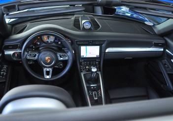 Porsche 911 Targa 4S - 16