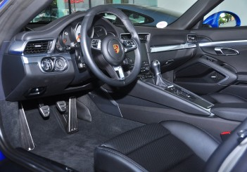 Porsche 911 Targa 4S - 19