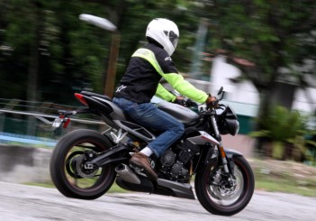 Triumph Street Triple RS 765cc (23)