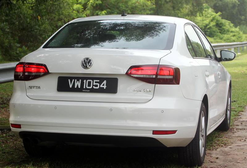 2017 Volkswagen Jetta 1-4L TSI (Comfortline) (13)