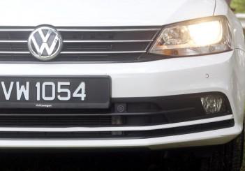 2017 Volkswagen Jetta 1-4L TSI (Comfortline) (3)