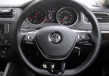 2017 Volkswagen Jetta 1-4L TSI (Comfortline) (56)