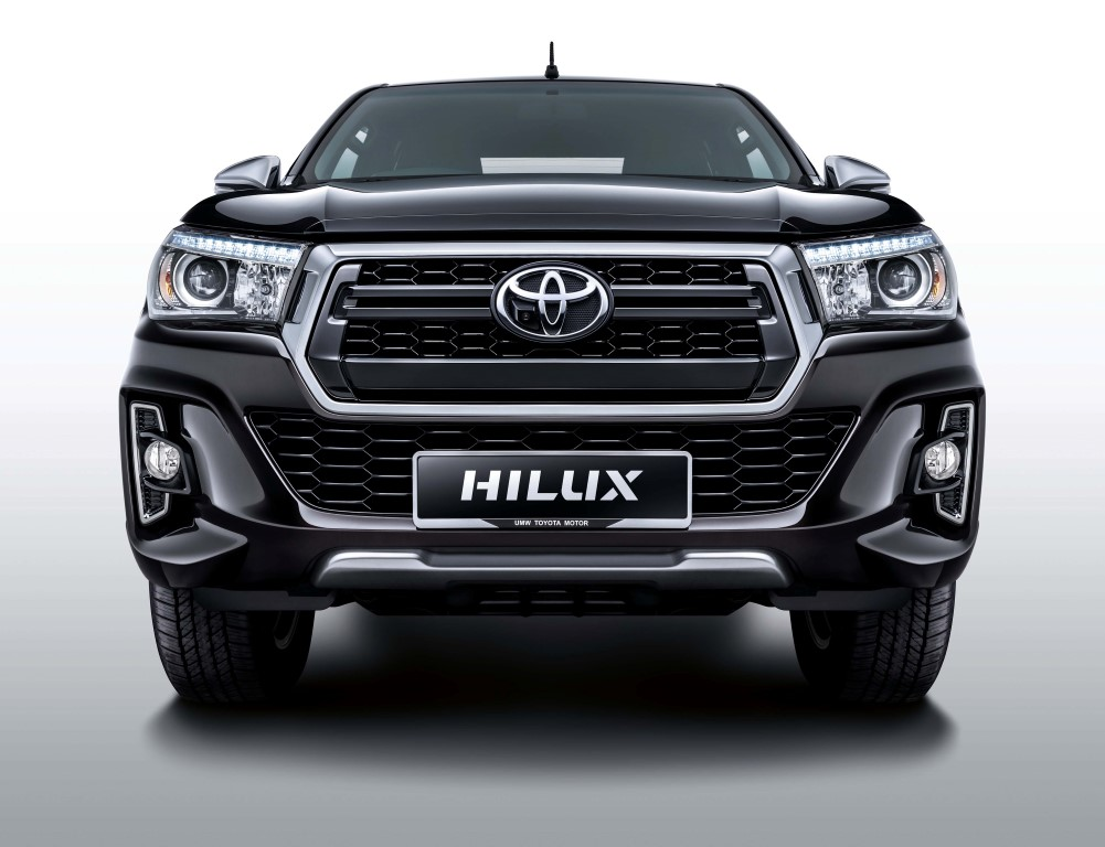 Hilux LE Front Grill_02 (Custom)