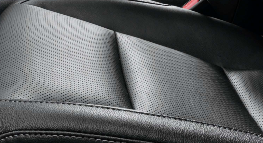 Hilux_Perforated Seat (Custom)