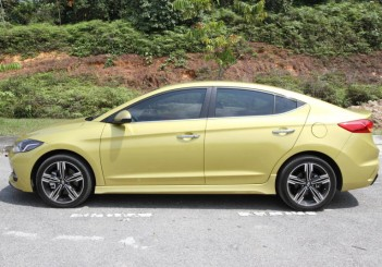 Hyundai Elantra Sport 1.6 - 03