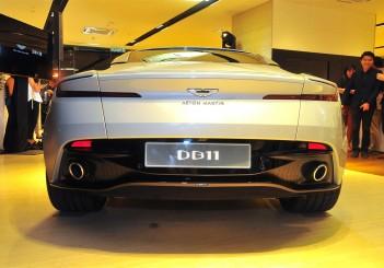 Aston Martin DB11 V8 - 13