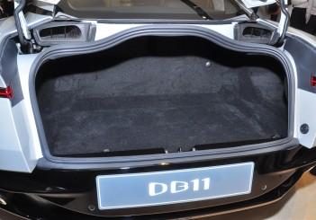 Aston Martin DB11 V8 - 15