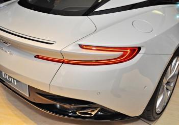 Aston Martin DB11 V8 - 18