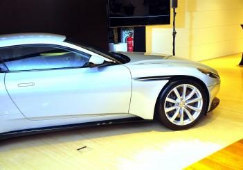 Aston Martin DB11 V8 - 22