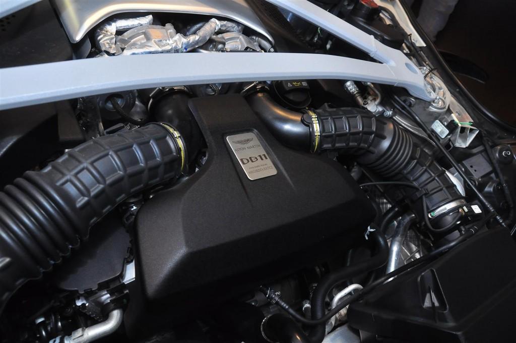 Aston Martin DB11 V8 - 32