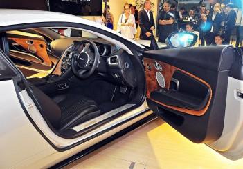 Aston Martin DB11 V8 - 34
