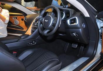 Aston Martin DB11 V8 - 38