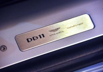 Aston Martin DB11 V8 - 40