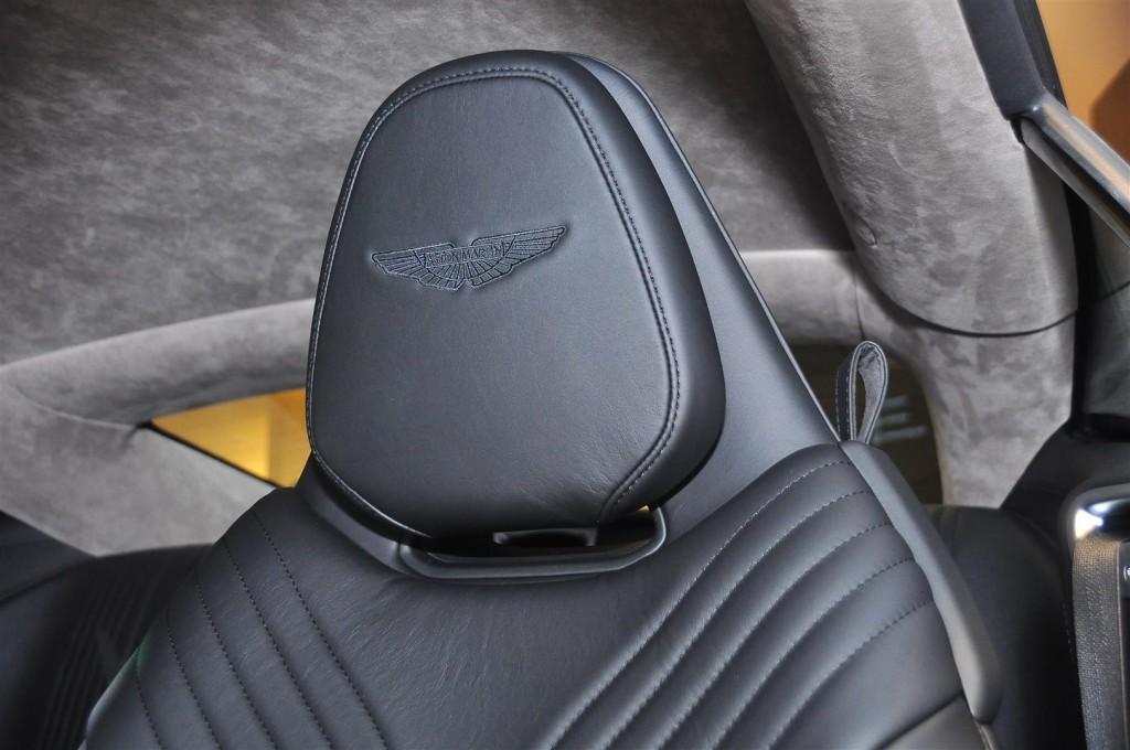Aston Martin DB11 V8 - 56