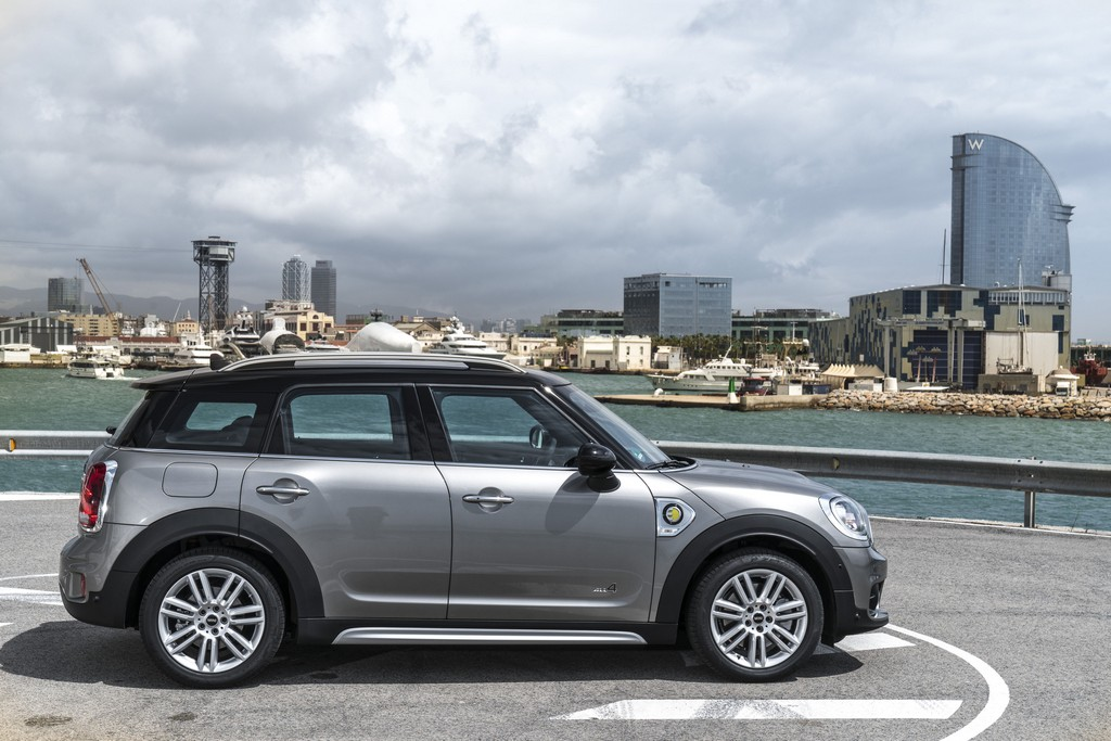 The New MINI Cooper S E Countryman ALL4 (5)