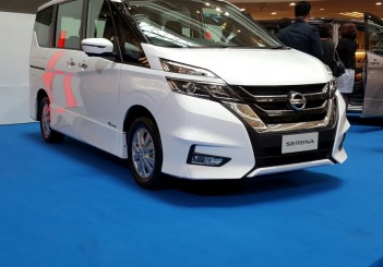 2018 2-litre Nissan Serena S-Hybrid (20)