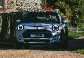 MINI Cooper S for Harry and Megan - 15