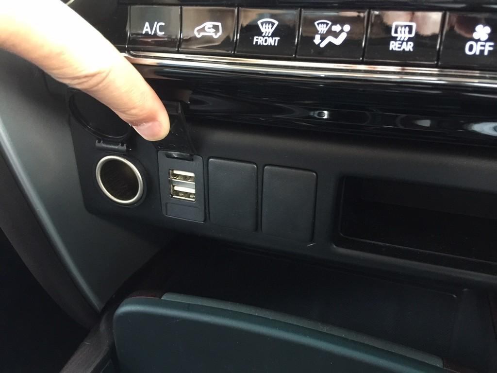Toyota Fortuner VRZ_4X2_Diesel_Dec_2017 (6)