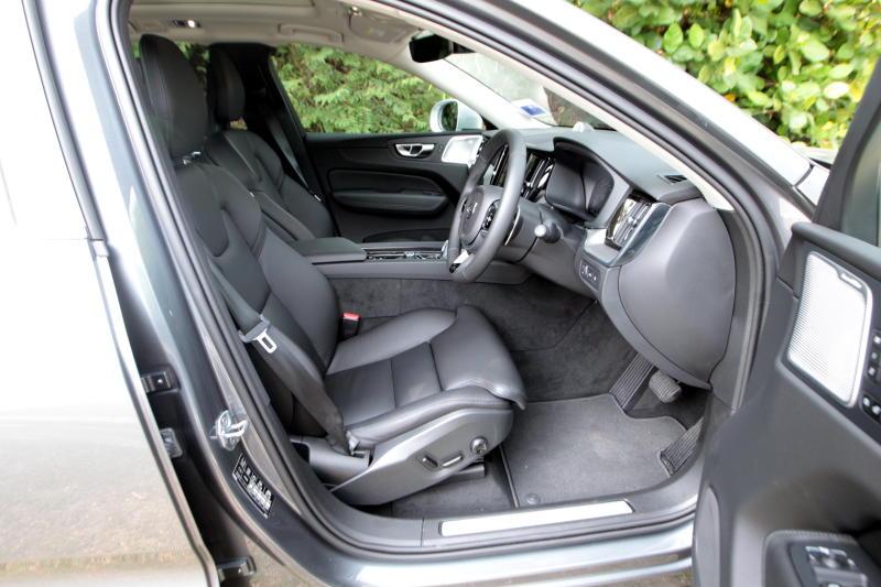 2018 Volvo XC60 (5)