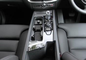 2018 Volvo XC60 (71)