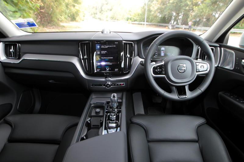 2018 Volvo XC60 (73)