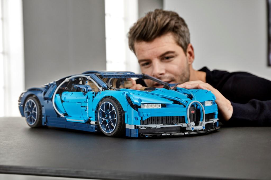 lego technic bugatti chiron launched carsifu. Black Bedroom Furniture Sets. Home Design Ideas