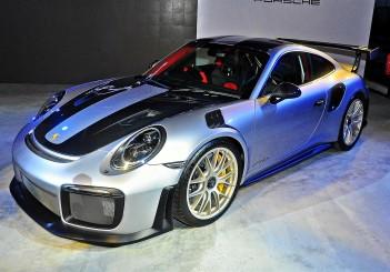 Porsche 911 GT2 RS (991.2) - 02 Weissach RS