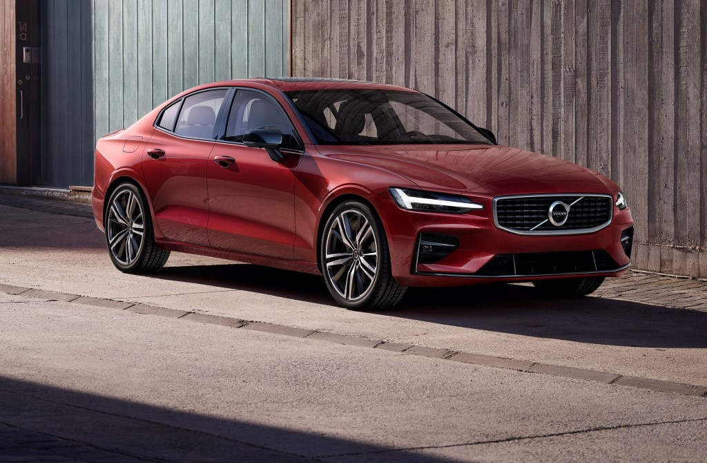 Volvo Cars launches new S60 sports sedan – the first Volvo car made ...