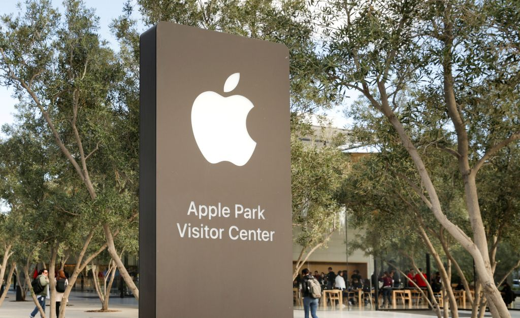 Apple worker charged with stealing self-driving-car secrets for China