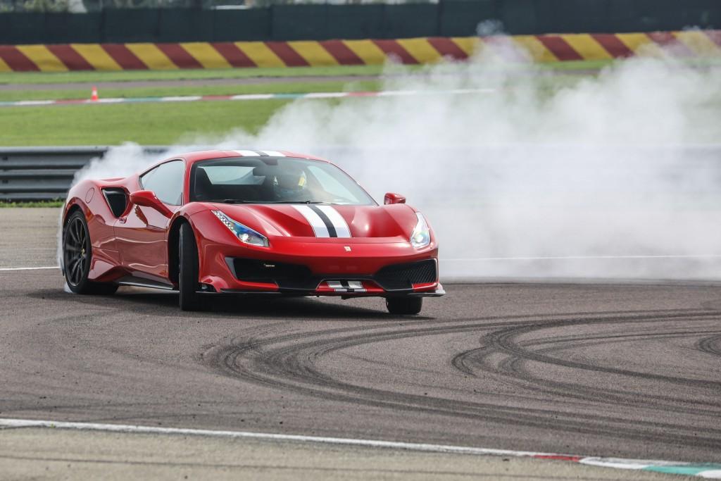 Ferrari 488 Pista (2) (1)