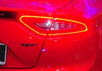 Kia Stinger 3.3 V6 GT - 16