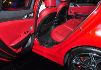 Kia Stinger 3.3 V6 GT - 25