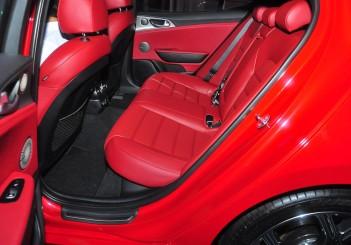 Kia Stinger 3.3 V6 GT - 26