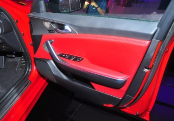 Kia Stinger 3.3 V6 GT - 31