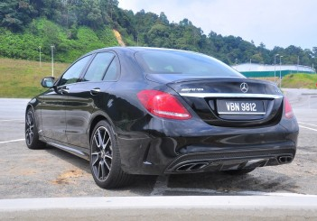 Mercedes-AMG C43 - 03