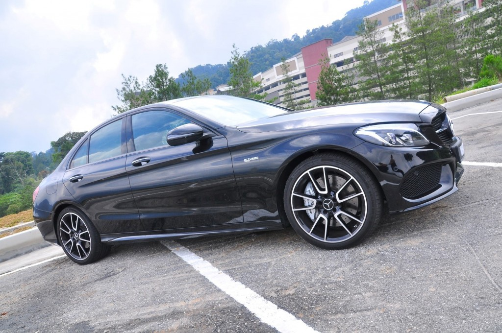 Mercedes-AMG C43 - 12
