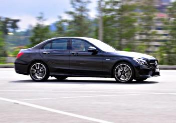 Mercedes-AMG C43 - 37