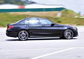 Mercedes-AMG C43 - 40
