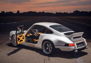 Porsche 911 (1989) - 01 Reimagined by Singer Vehicle Design