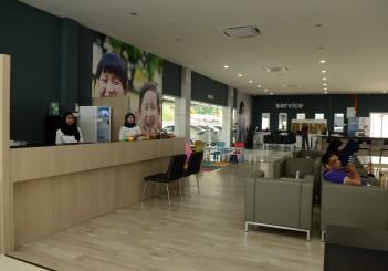 Proton 3S (Pantai Bharu Corporation) - 03 Customer lounge area