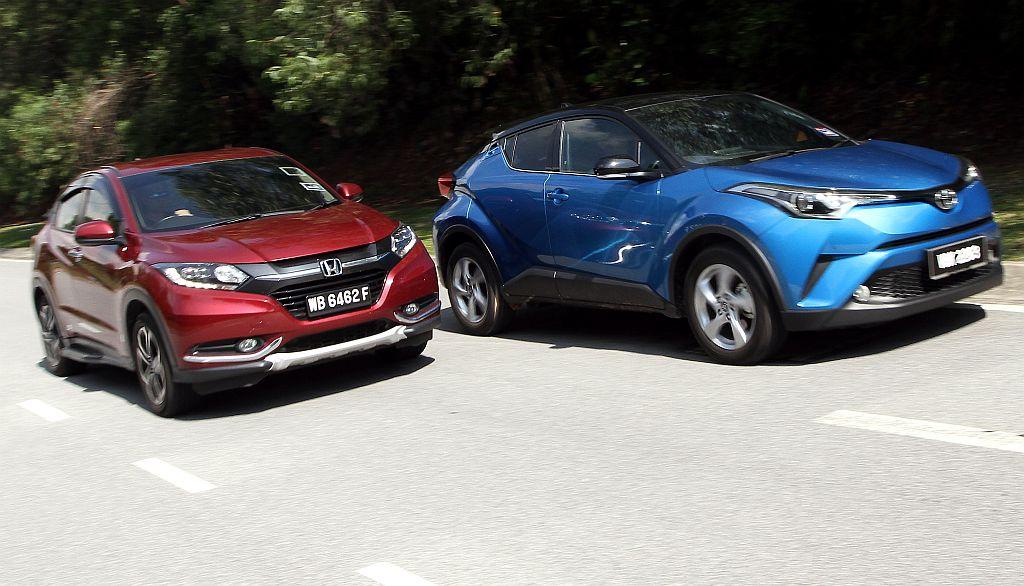 Chr Vs Hrv >> Battle Of The Compact Suvs Honda Hr V Versus Toyota C Hr Carsifu