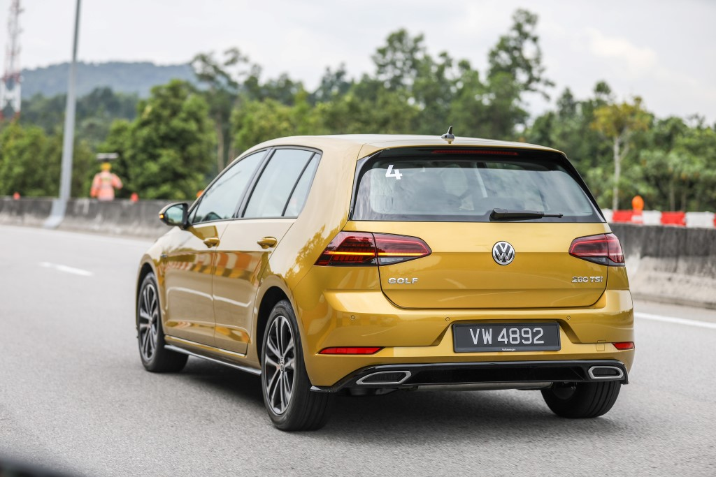 Volkswagen Golf 2018 Media Photos-18 (Custom)